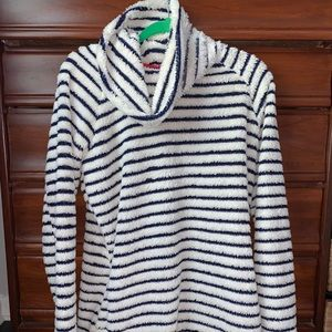 5/$20 🛎navy striped cow neck pullover🛎